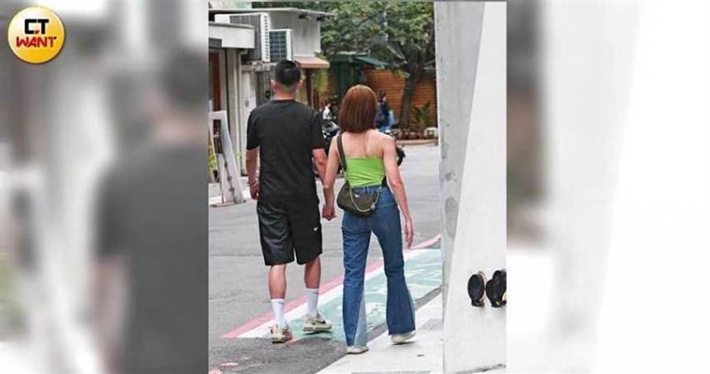 日前夏語心傳出被富商男友Joseph公開示愛,本刊也直擊熱戀中的兩人十指緊扣逛街約會。(圖/本刊攝影組)