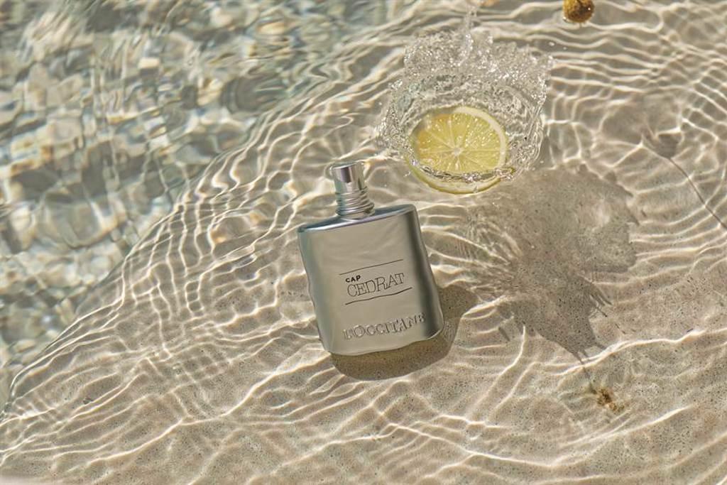 冒險男士系列包裝以海洋藍色為設計,綻放令人難以抗拒的陽剛魅力。(圖/品牌提供)