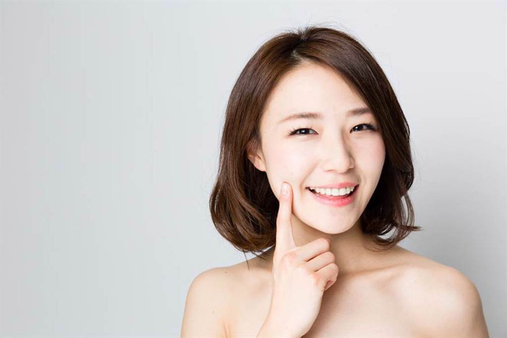 近來美容界興起一股Clean Beauty「潔淨美容」風潮。(示意圖/shutterstock提供)