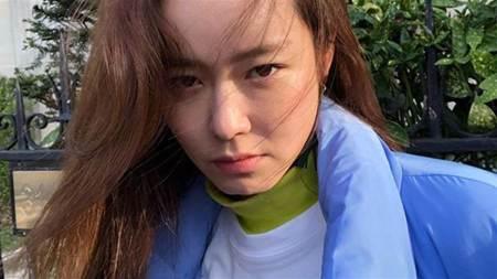「小孫藝真」透視襯衫超犯規!肩頭滑落洩膚色一片