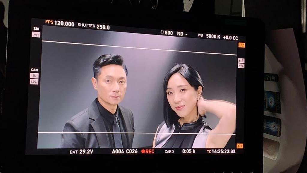 梁舒涵驚喜現身謝祖武代言的洗髮精廣告。(LiTV、開麗娛樂提供)