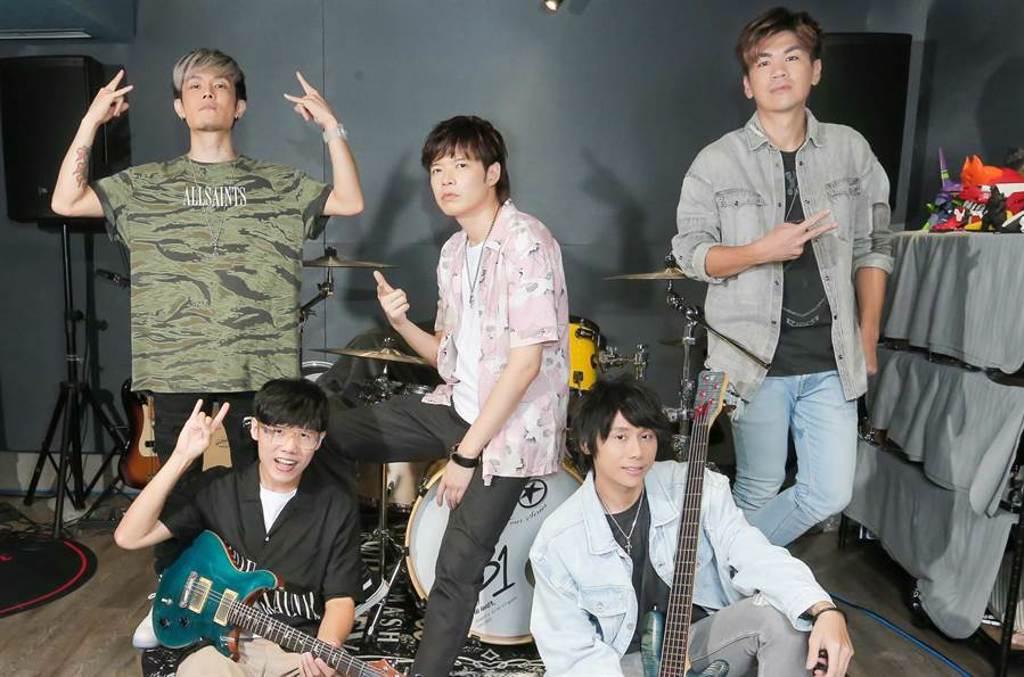 八三夭將在8月29日高雄巨蛋生日趴演唱會場外設置舞台、攤位,要讓歌迷好吃又好玩。(盧禕祺攝)