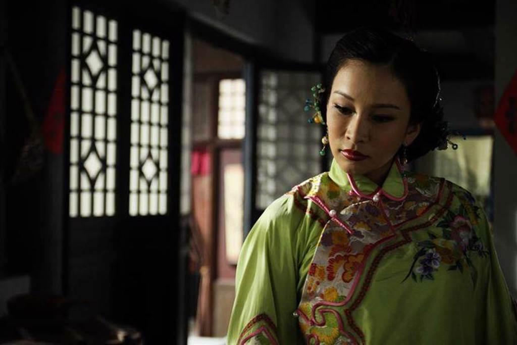 溫嵐飾演黃呂頌賢的大老婆。(東風衛視提供)