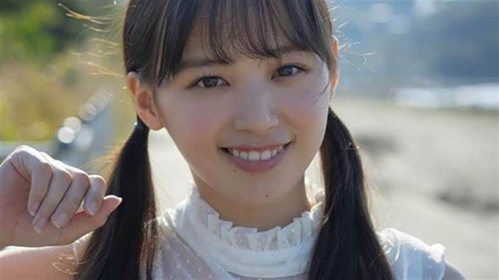 25歲女星立野沙紀外套裡超低胸 豐滿上圍擠爆比基尼(圖/IG@saki_tateno )