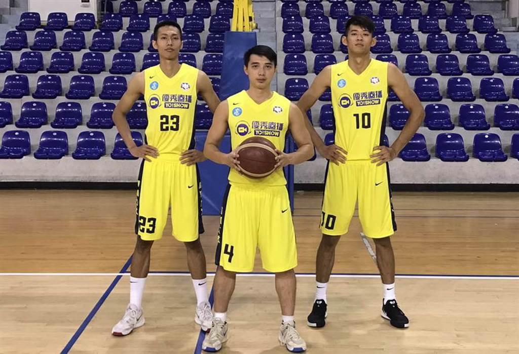 高雄九太科技確定跟林柏豪(左)、李漢昇、陳俊翰(右)3名新秀簽約。(高雄九太提供)