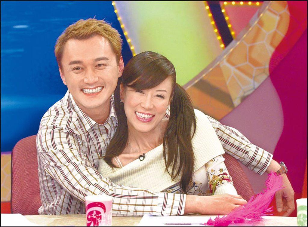 何篤霖(左)與羅霈穎有多年交情。(資料照片)