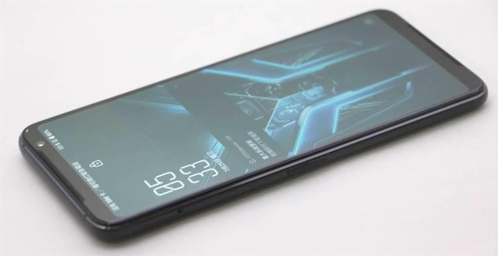 華碩ROG Phone 3左側機身。(黃慧雯攝)