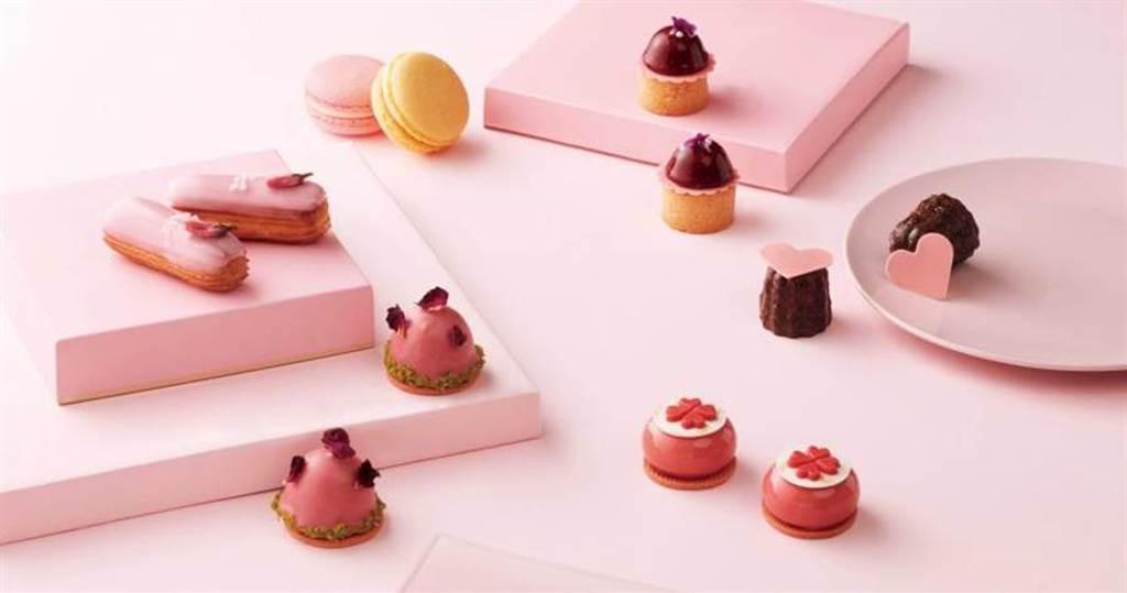 「粉漾甜旅」雙人下午茶以法國經典甜點為設計概念,巧妙融合不同花香,以手工製作出細緻精巧的甜點。(圖/台北寒舍艾美酒店)