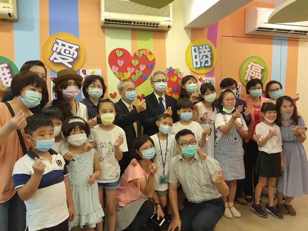抗癌小勇士畫展,8月高雄科工館起跑。(陳人齊攝)