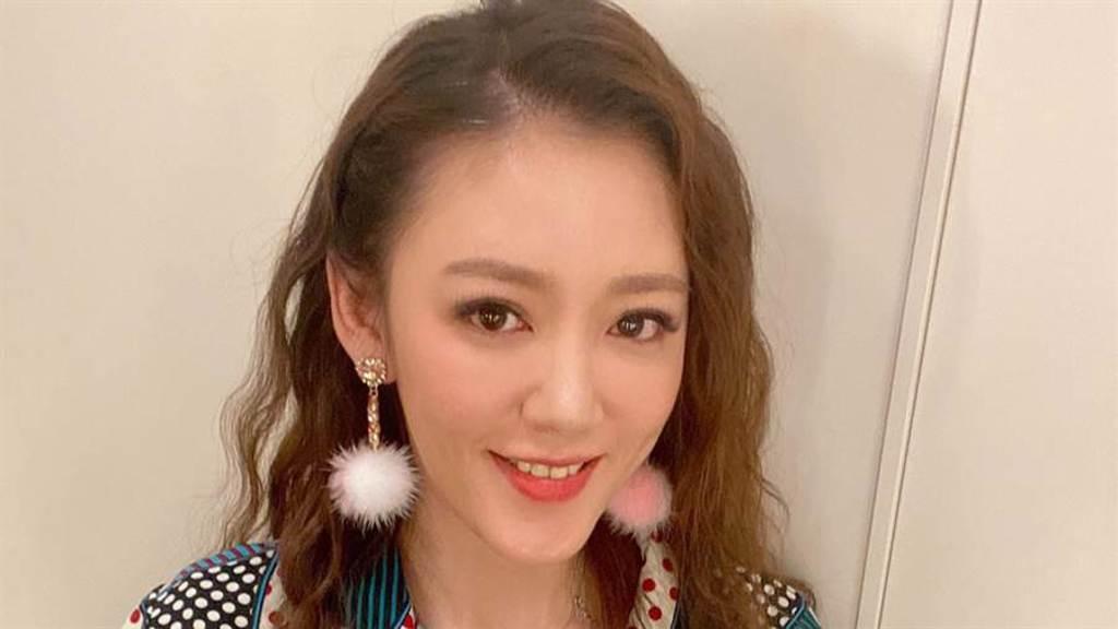 裴琳將長髮剪去,以短髮造型亮相。(圖/FB@蔡裴琳Peilin Tsai)