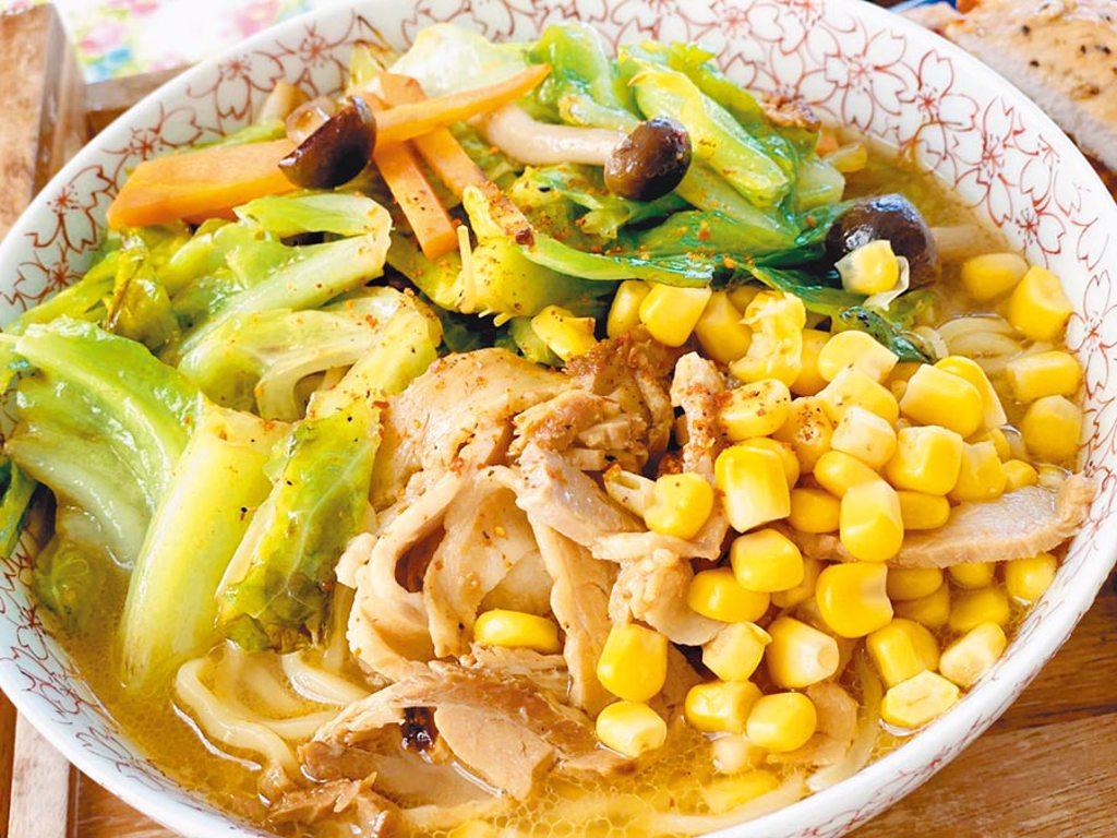 AKIRA手作的美味日式拉麵。(林志玲工作室提供)