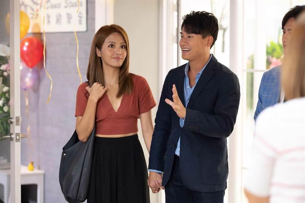 王建復(右)與李宣榕(左)在新一季中四處放閃。(TVBS提供)
