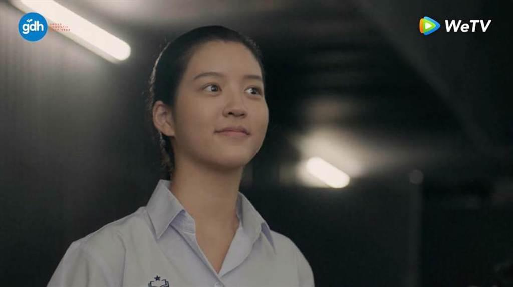 戲劇版《模犯生》女主角本人是學霸,「小琳」Juné精通三國語言、讀最高學府。(WeTV提供)