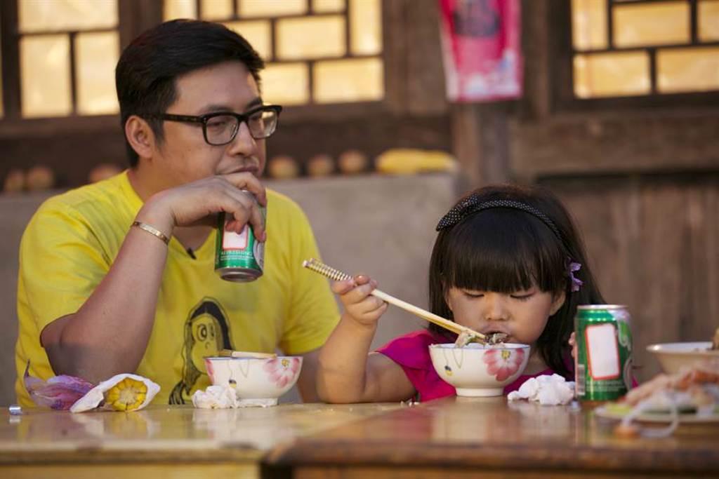 王岳倫因為帶著女兒王詩齡Angela上實境秀爆紅。(本報系資料照)