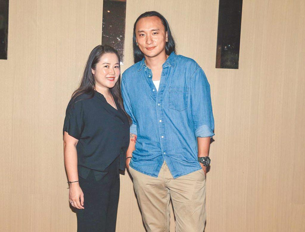 Pawo(右)和妻子賴梵耘聯手催生《不丹是教室》,電影在台開出好票房。(粘耿豪攝)