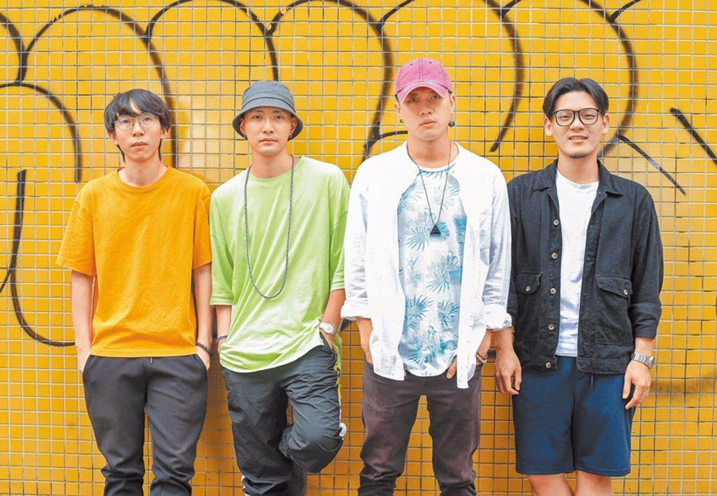 唐貓團員少瑜(左起)、高真、阿蘭、三智首度入圍金曲最佳演唱組合獎,心情興奮。(粘耿豪攝)