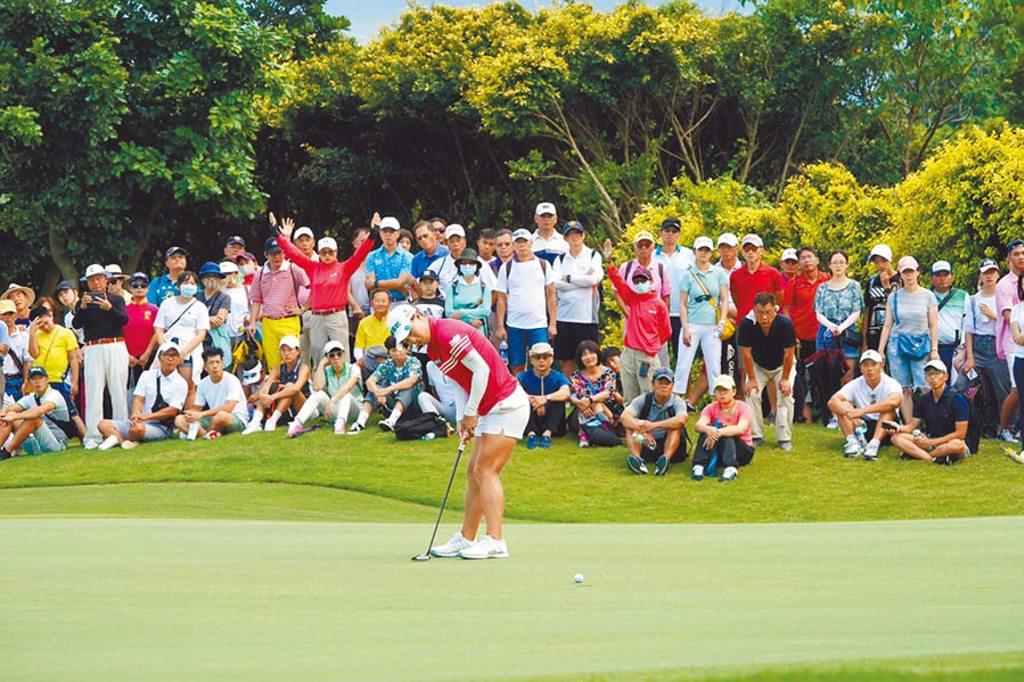 「2020中國信託女子公開賽」領先國際高球巡迴賽,率先全面開放球迷進場觀賽,3天賽事吸引逾3000人次到場觀賽。(中國信託銀行提供)
