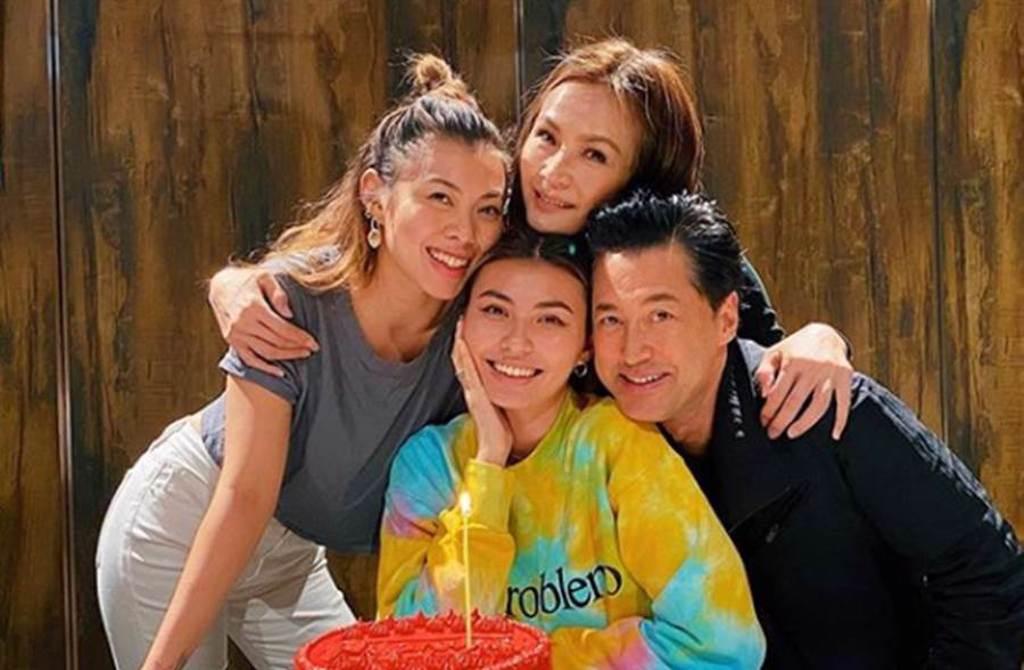 香港影星王敏德和名模馬詩慧擁有2個女兒王曼喜、王麗嘉。(圖/翻攝自IG)
