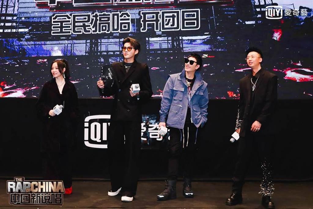 張靚穎(左起)、吳亦凡、潘瑋柏、GAI昨出席《中國新說唱2020》媒體探班。(愛奇藝台灣站提供)