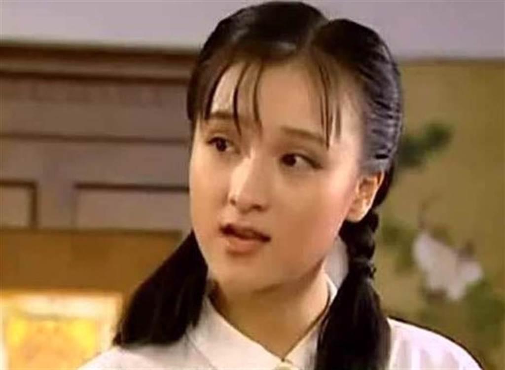 樂珈彤在《情深深雨濛濛》飾演小妹夢萍。(圖/翻攝自網路)