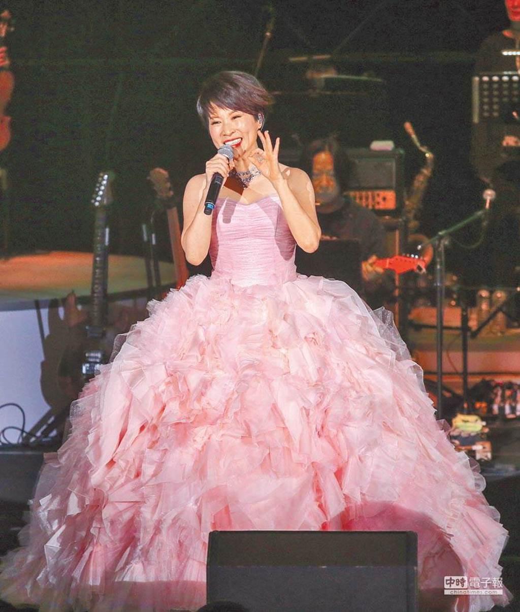 林慧萍2017年在台北國際會議中心舉辦「一朵盛開的花」演唱會。(圖/中時資料照)