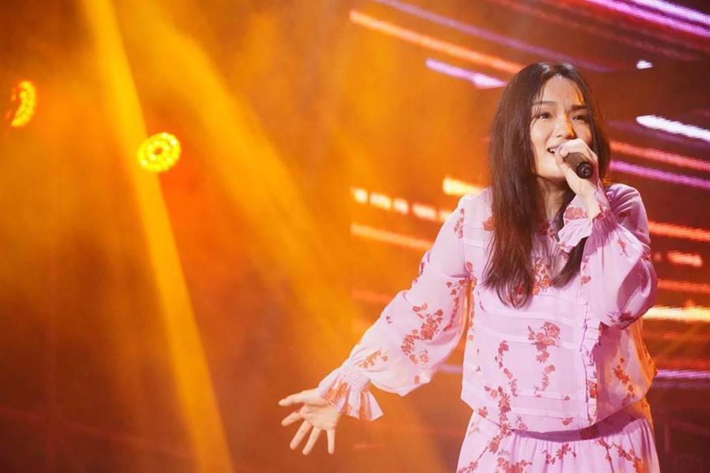 徐佳瑩於臺南將軍吼音樂節第二天登台演出。(臺南市觀光傳播局提供)
