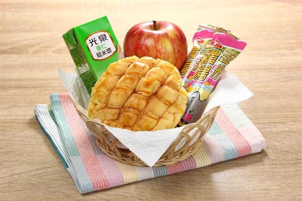 愛買水湳店18日試賣首日免費送300份活力早餐。(愛買提供)