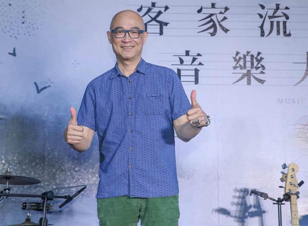 王治平二度擔任「2020客家流行音樂大賽」評審總召。(粘耿豪攝)