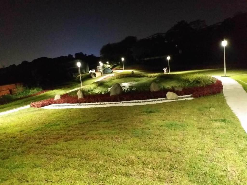 五股垃圾山變身綠地公園,周末將舉辦星光電影院邀市民同樂。(五股區公所提供/許家寧新北傳真)
