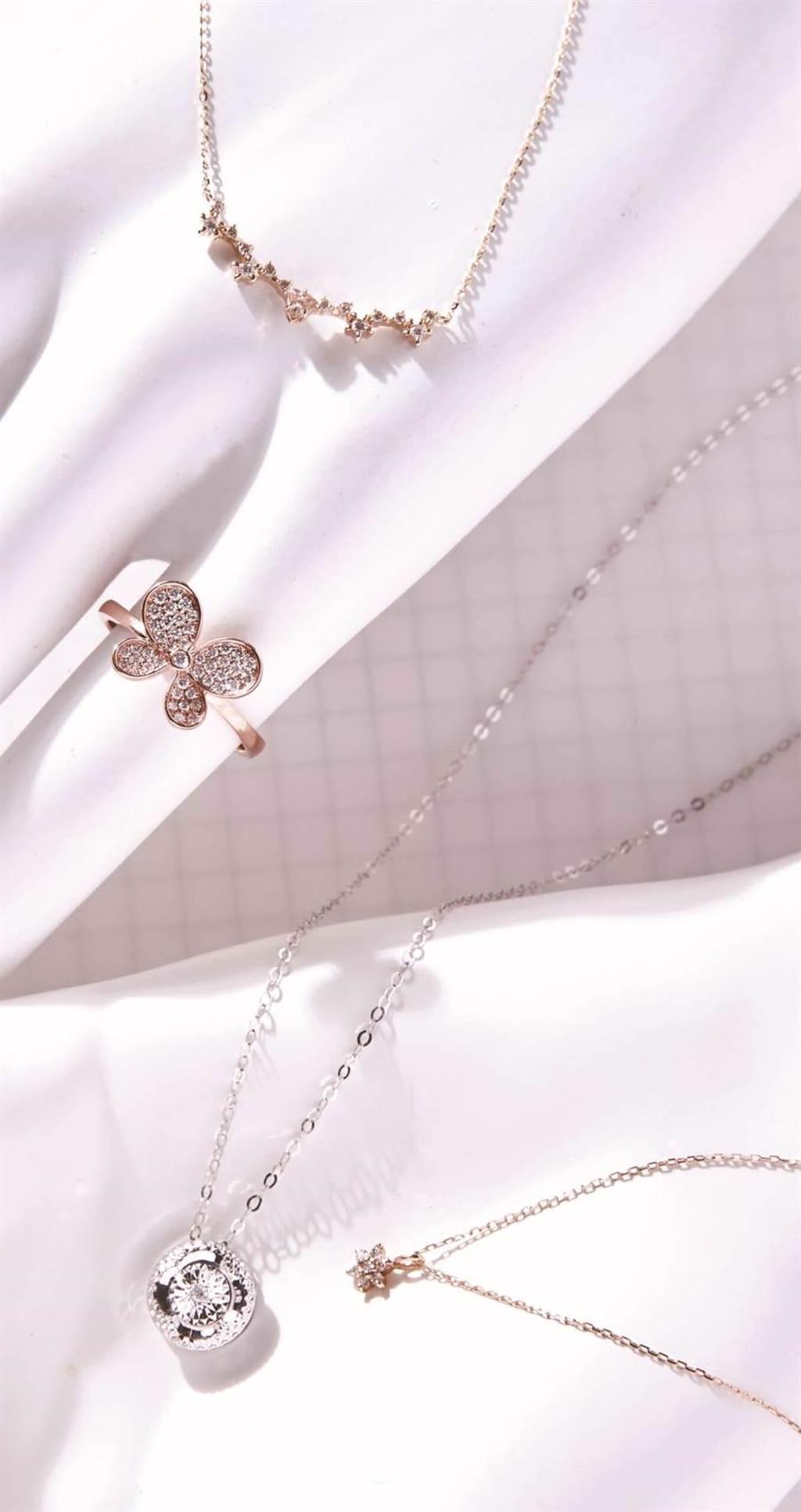 統一時代百貨台北店的今生今飾閃耀一分鑽石項鍊,原價5400元,特價4320元,限量5組。(統一時代百貨台北店提供)