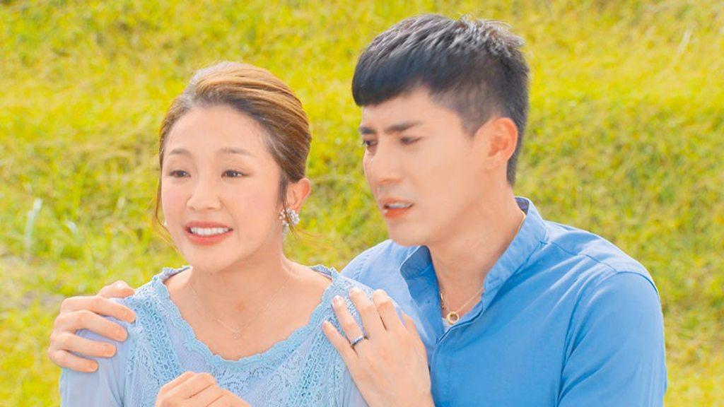 賴慧如首度演出八點檔《多情城市》,飾演王凱(右)的媽媽。      (民視提供)