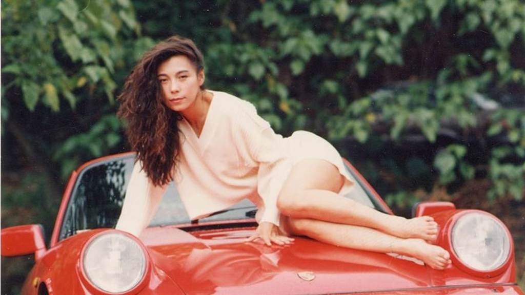 「現代豪放女」徐淑媛大尺度拍片,40歲閃嫁為愛遠赴美國。(圖/中時資料照)