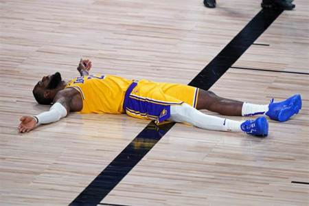 NBA》詹姆斯:沒把握進攻機會 防守也出現漏洞