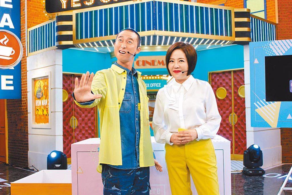 于美人(右)昨與浩子進棚錄影。(衛視中文台提供)