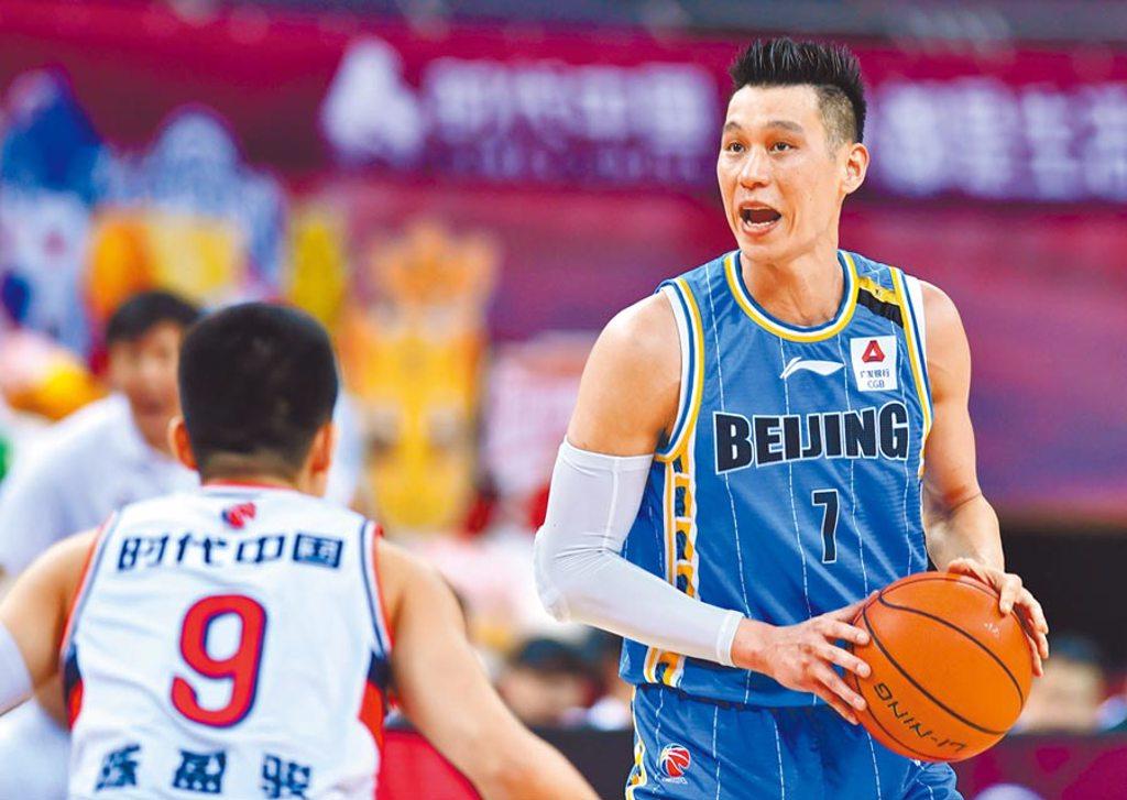 林書豪本季在北京首鋼繳出場均22.4分、5.6籃板、5.6助攻、1.9抄截。(新華社)
