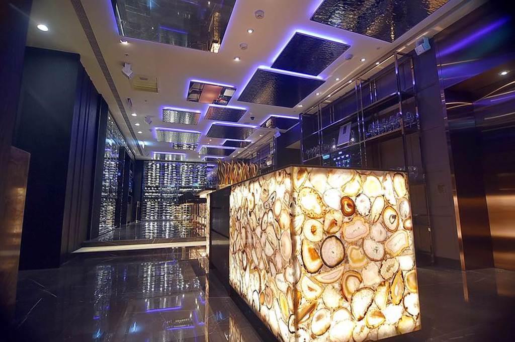 台北國賓飯店A CUT牛排館,將成為2020年台北米其林指南最新進榜的星餐廳之一。(圖/姚舜)