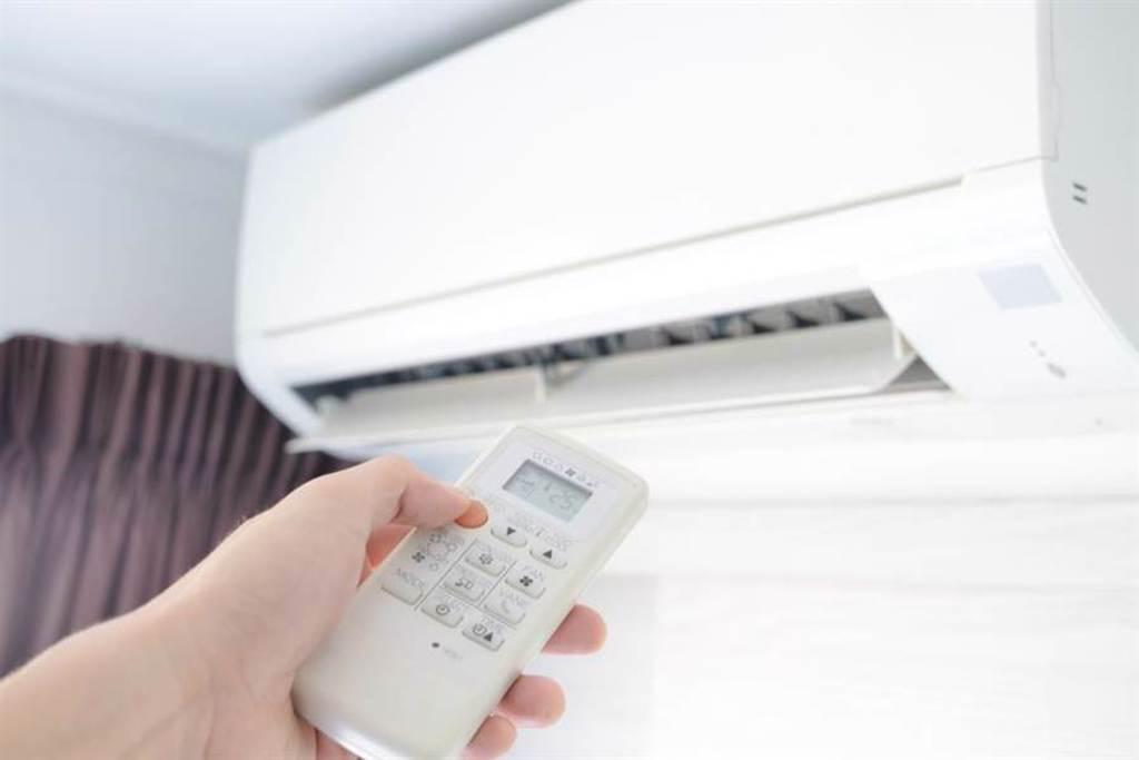 出門多久該關冷氣?專家答案意外:重點不在開關。(示意圖/達志影像)