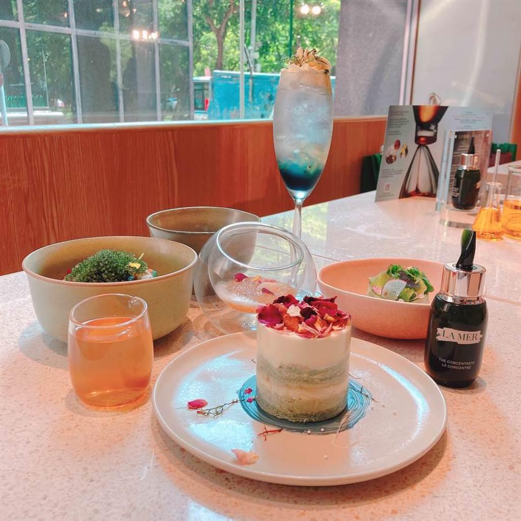 海洋拉娜與餐廳「小小樹食貳」打造期間限定海洋奇蹟能量套餐。(圖/邱映慈攝影)