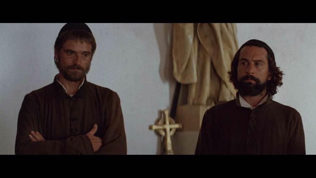 傑瑞米艾朗(左)、勞勃狄尼洛(右)金獎雙影帝同台,經典再現。(甲上娛樂提供)
