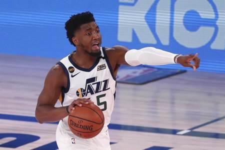 NBA》米契爾單節21分 爵士狂掃金塊扳平