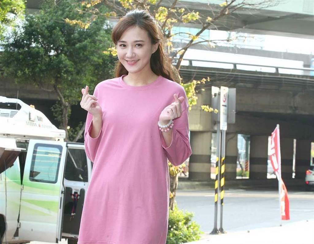 何妤玟在4月宣布離婚,恢復單身的她,把生活重心擺在工作和小孩上。(圖/本報系資料照片)