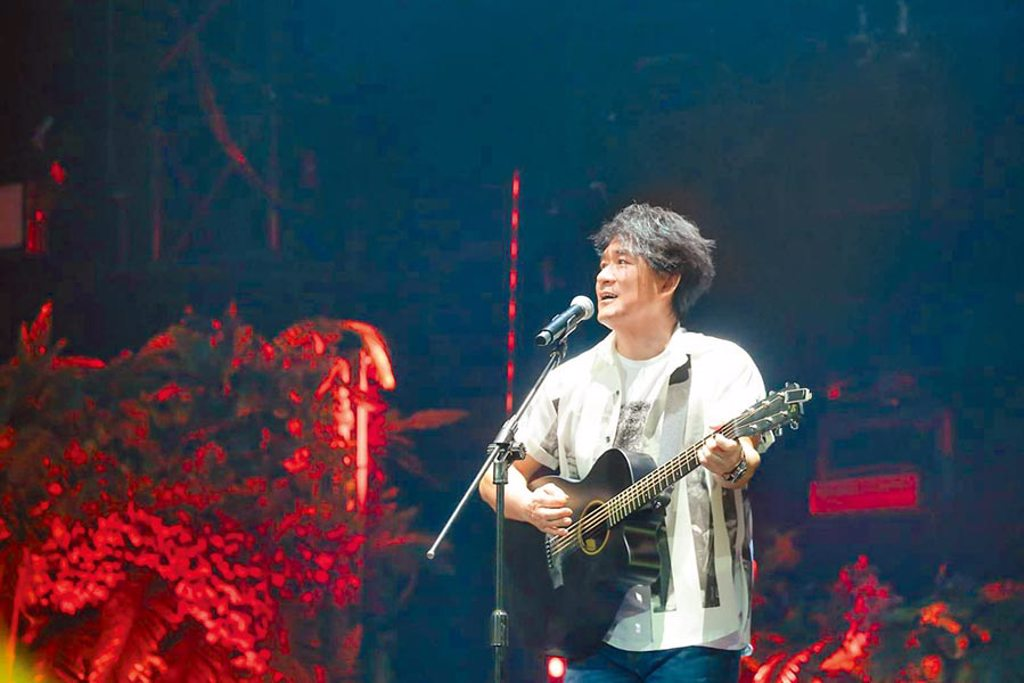 周華健昨晚首度在超犀利趴開唱。(相信音樂提供)