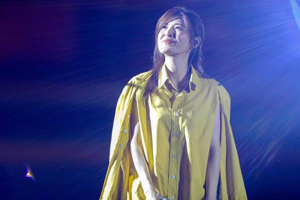 樂天桃猿本周舉行阿迷趴,23日邀請蘇慧倫到球場獻聲,蘇慧倫誠意十足帶來6首歌曲。(陳麒全攝)
