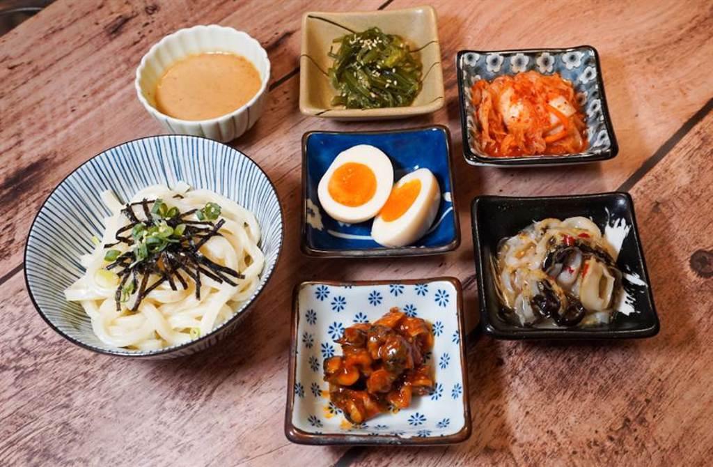 情人節必衝「東石生蠔」無限量吃到飽 加碼金莎醬佐北海道大干貝(圖/品牌提供)