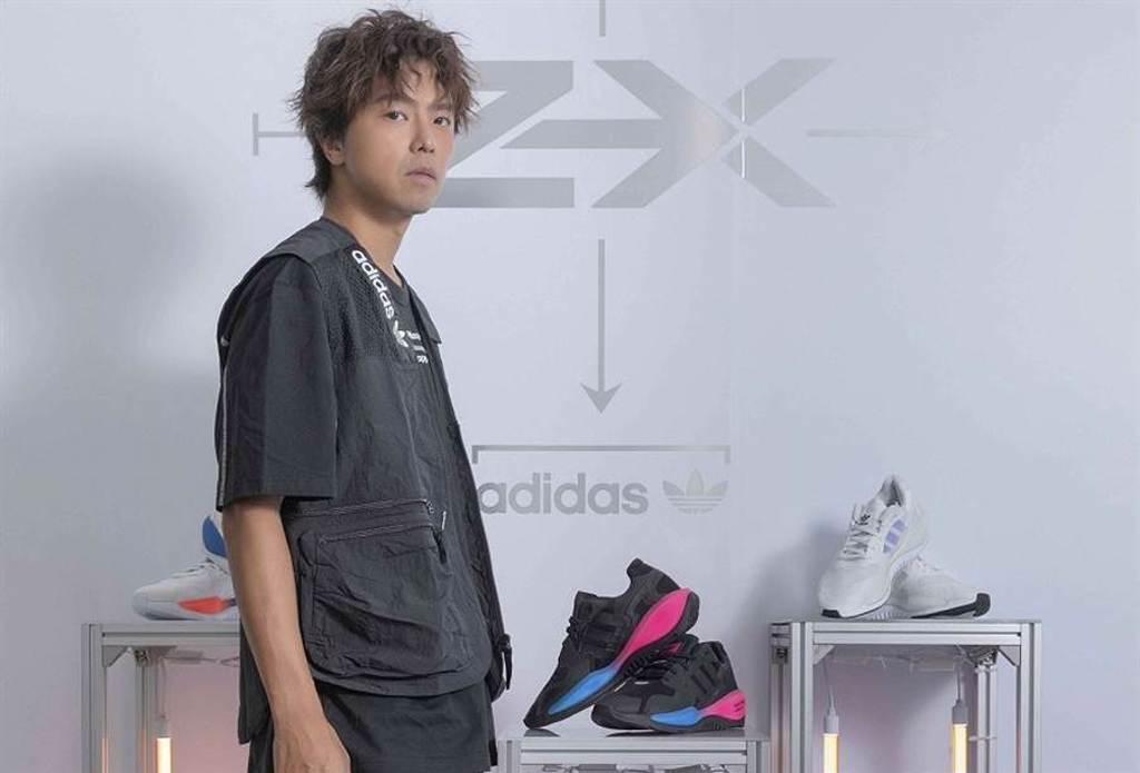 小鬼黃鴻升帥氣出席adidas Originals ZX#超未來 新品發表預覽會。(圖/品牌提供)