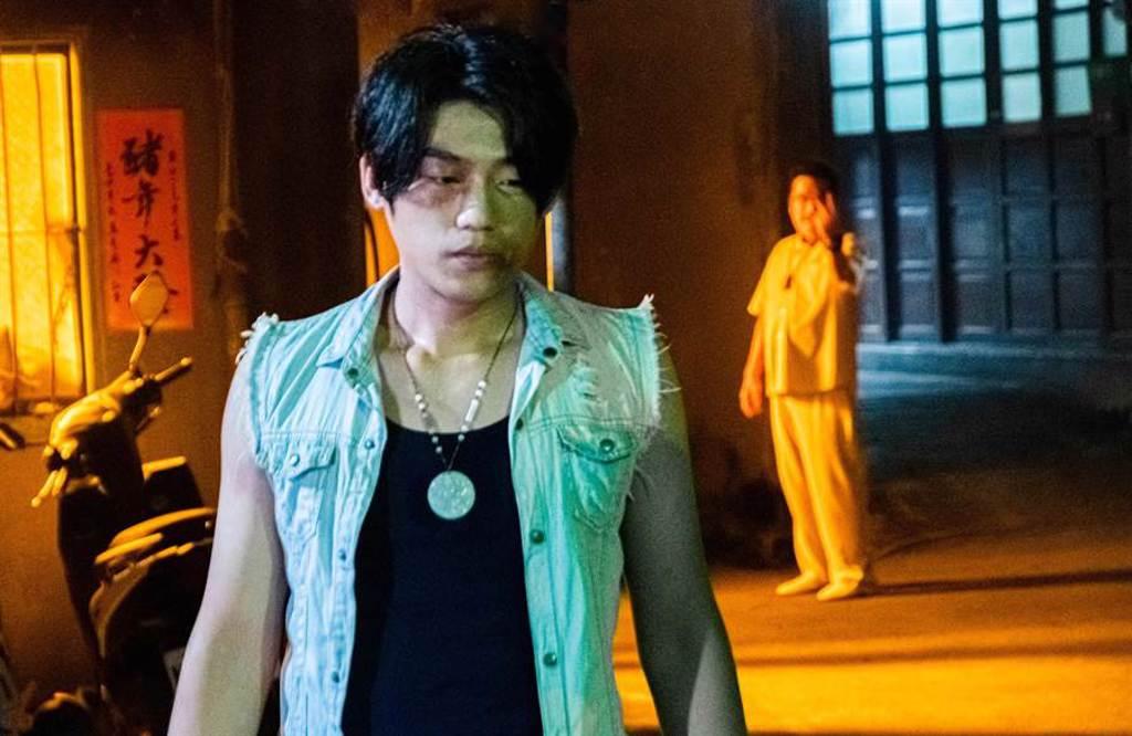 謝章穎飾演擁有鍾馗天命的少年。(華影國際提供)