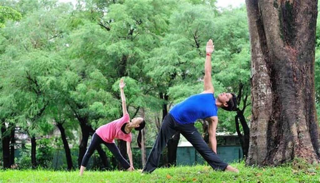 非藥物治療則是以運動、認知行為、呼吸自律神經調節等方式改善。(圖片來源:陳德信)