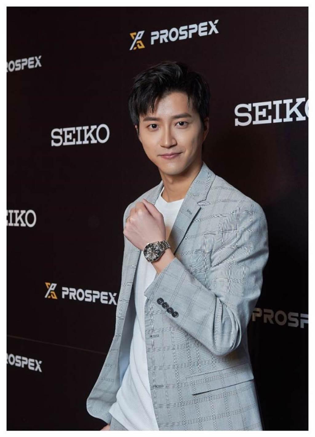 桌球王子江宏傑配戴SEIKO Prospex 1965復刻潛水表,分享他運動員生涯中挑戰自我的心情故事,與SEIKO「勇無止境」的品牌精神完美呼應。(SEIKO提供)