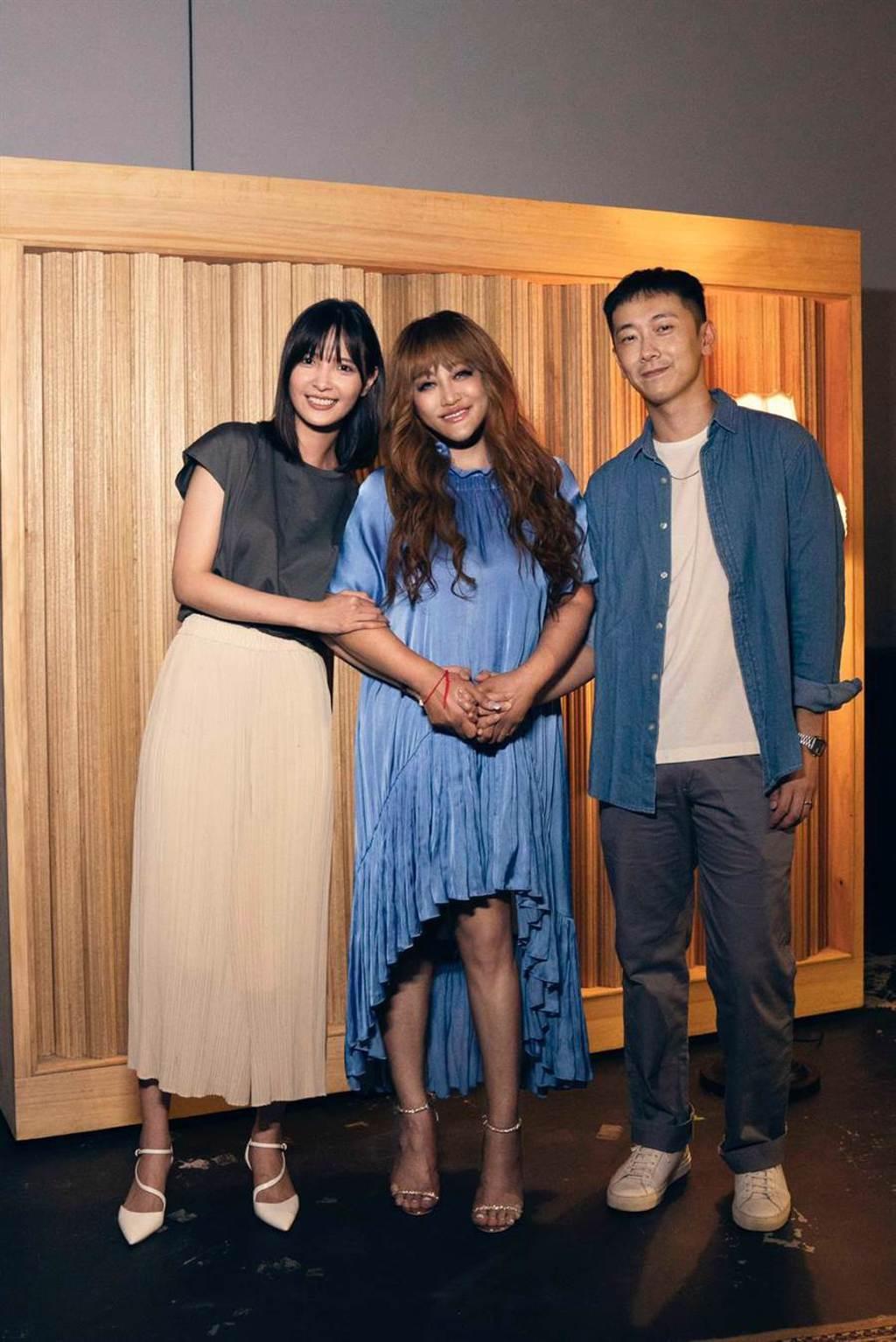 家家〈祝我幸福〉MV請來施名帥與吳子霏演出。(相信音樂提供)