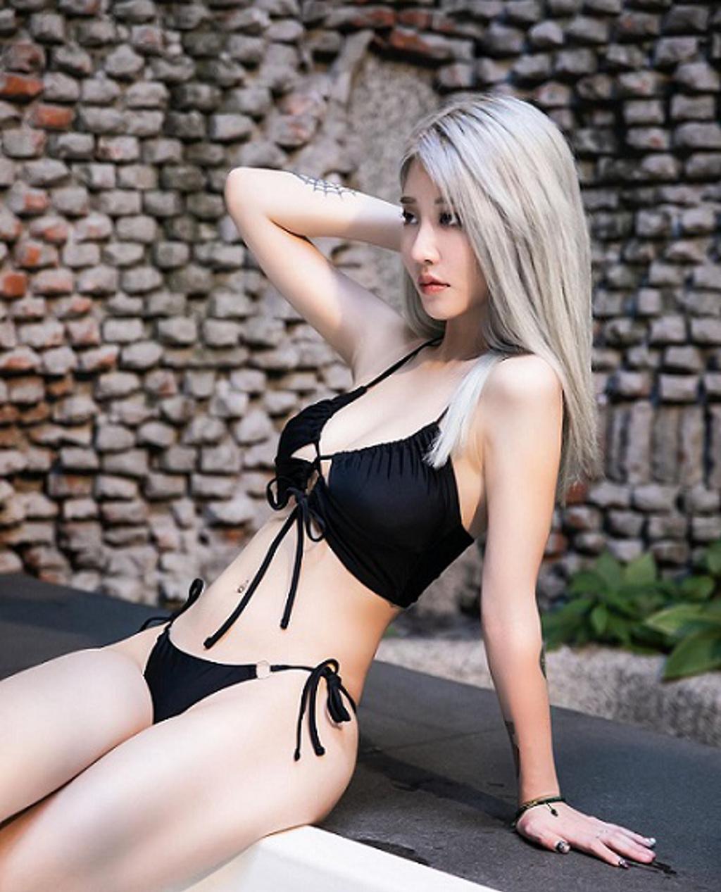 美麗妄娜包下旅館大秀泳衣,票選真理泳衣(翻攝至美麗妄娜YouTube)